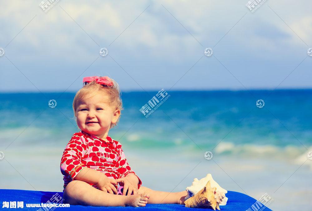 海边的孩子图片
