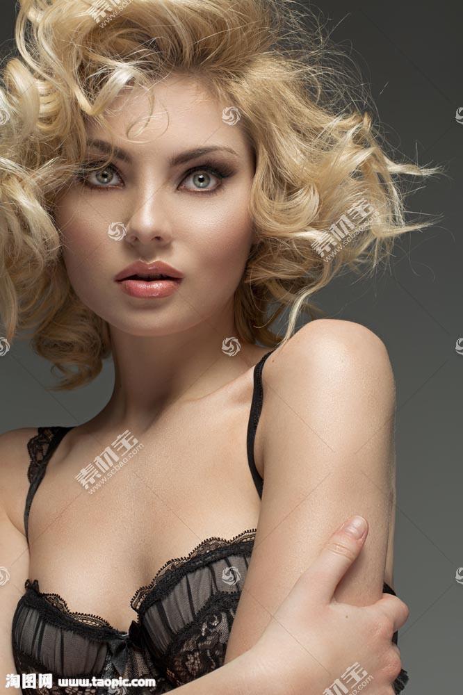 性感内衣模特美女写真