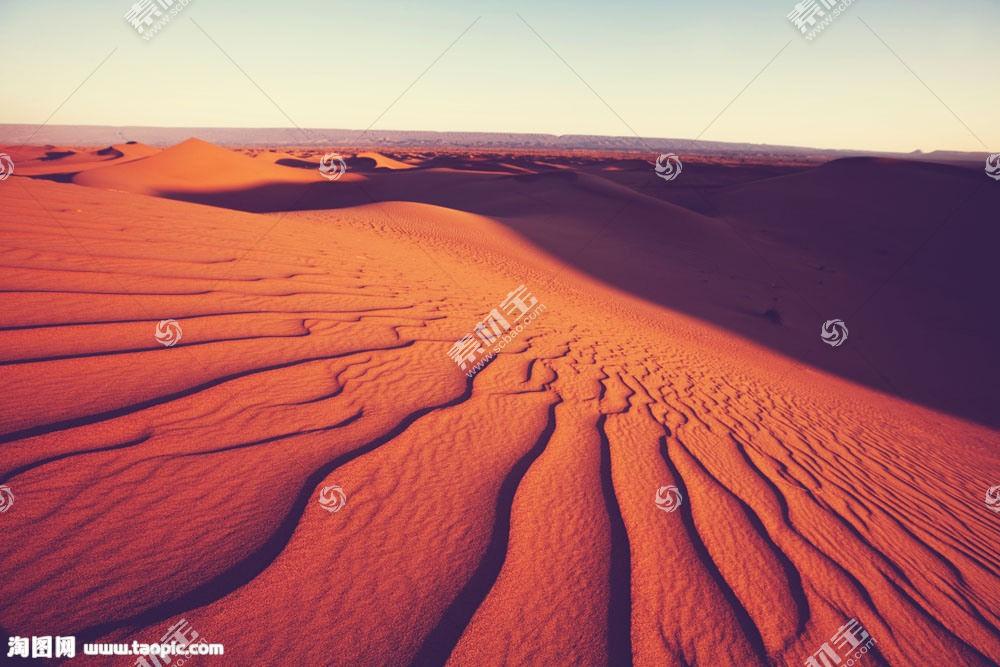 红色的沙漠纹理风光